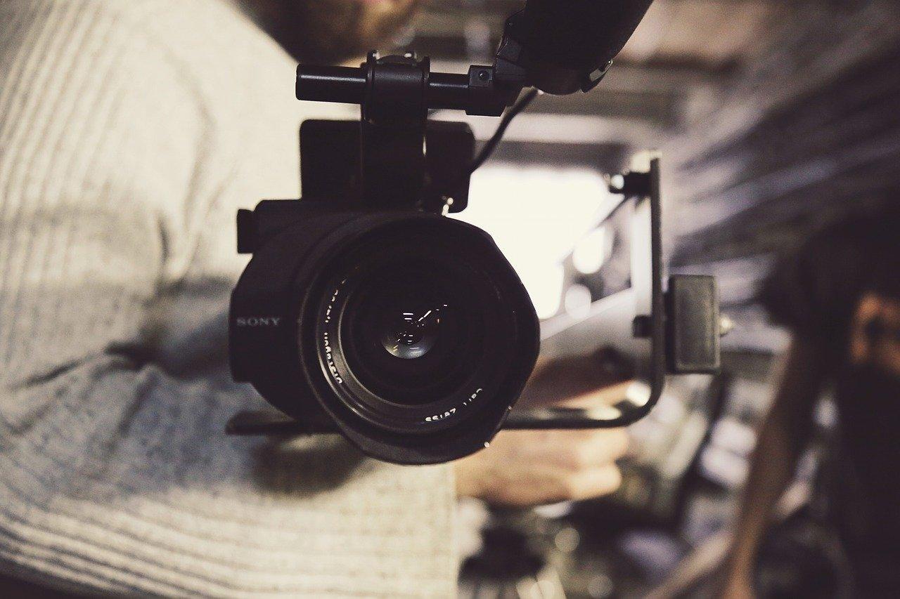 Frei sprechen vor der Kamera? Mit diesen Tipps kannst du das auch!